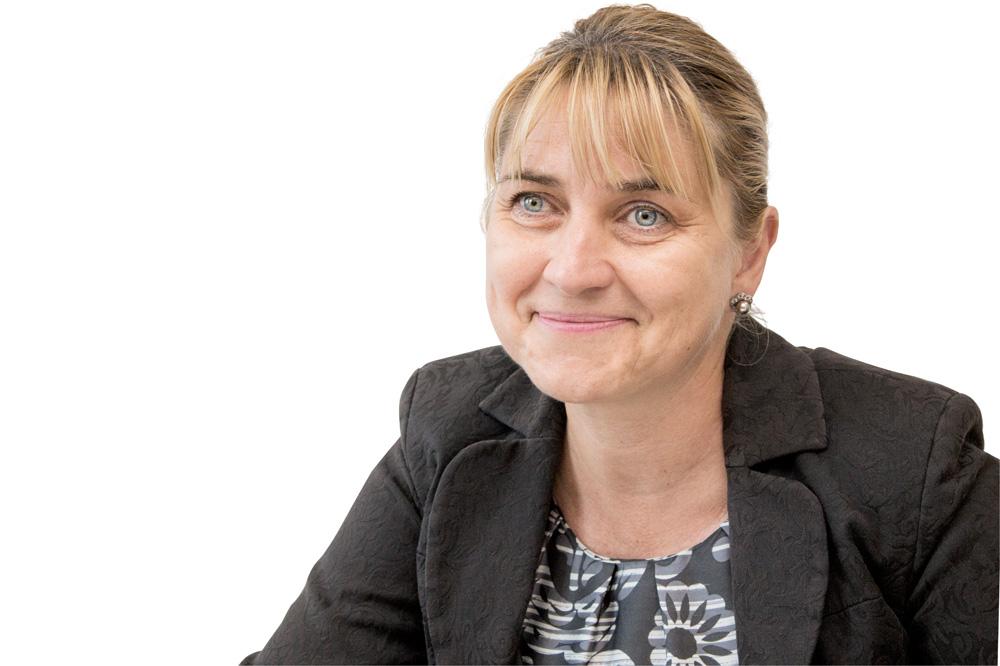 """Doina DRĂGĂNESCU, Decanul Facultății de Farmacie, Universitatea de Medicină și Farmacie """"Carol Davila"""", București: """"Un mentorat i-ar putea ajuta pe viitorii farmaciști"""""""