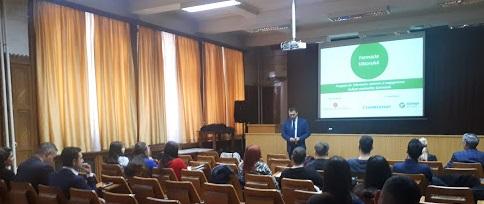 """Studenții la farmacie de la UMF """"Carol Davila"""" București au participat la dezbateri privind evoluția meseriei de farmacist, în cadrul lansării Programului Farmacia Viitorului 2019"""